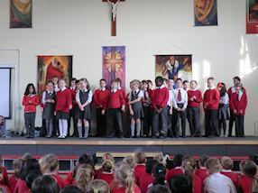 Year 4 singing 'Heart Skips A Beat' by Olly Murs.