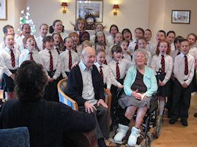 The children sing again after lunch.