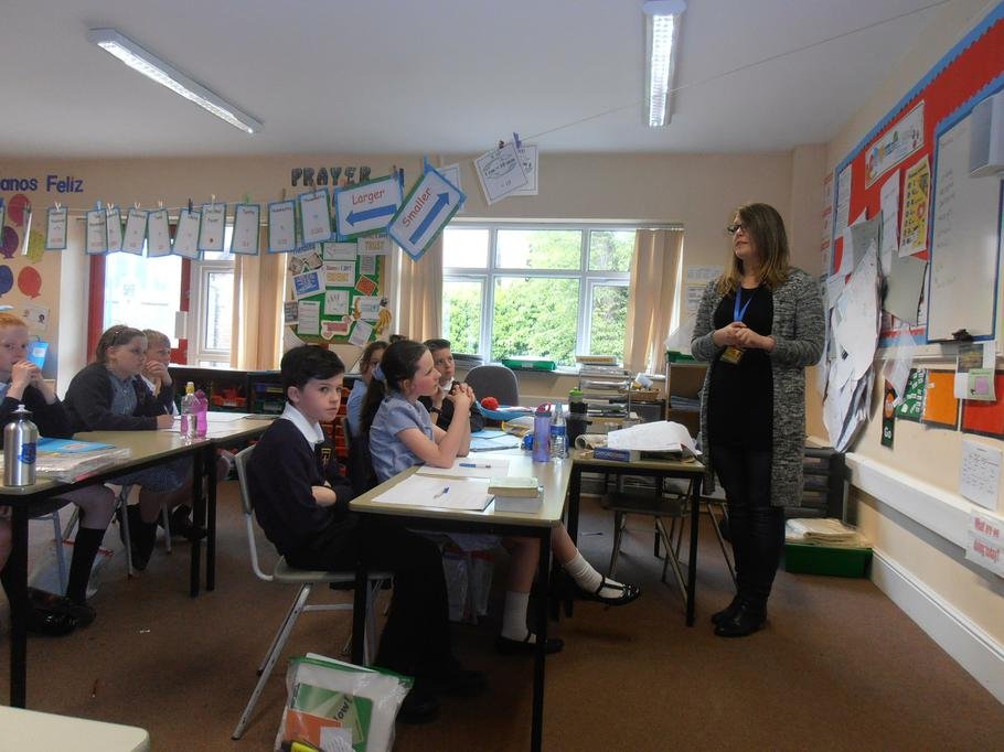 Mrs De Mota talked to Year 5 about prayer