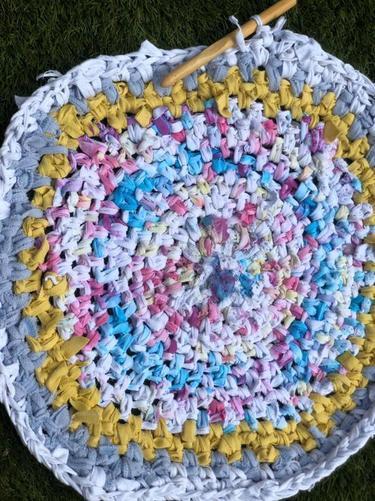 Miss Ferrans' t-shirt yarn rug