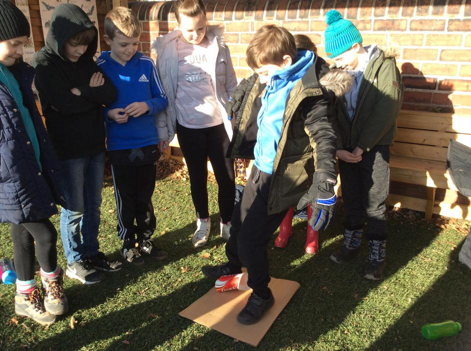 Can you stand on a paper cup without breaking it?