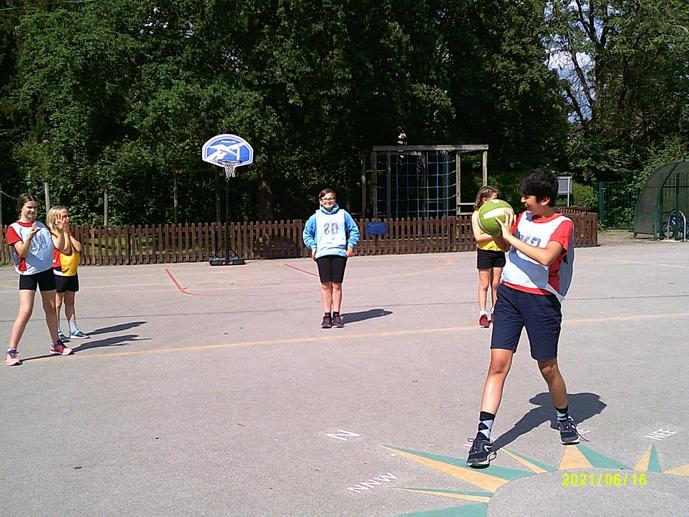 Afterschool club Netball with Y6