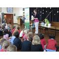 Author Gillian Overitt talking to Willow Class