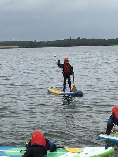 Y6 at Grafham learning to paddleboard