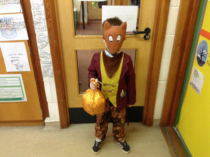Fantastic Mr Fox and his bag of chickens!