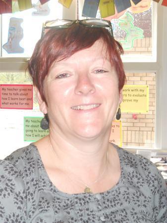 Mrs. Roberts Art/ DT Teacher