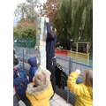 Measuring how tall Mr Worthington is