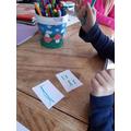 Inga writing the letter r