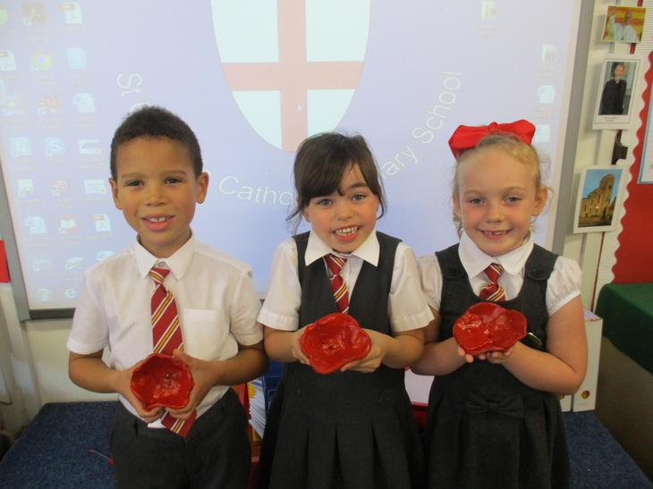 Making Poppies for the Southend Poppy Exhibition