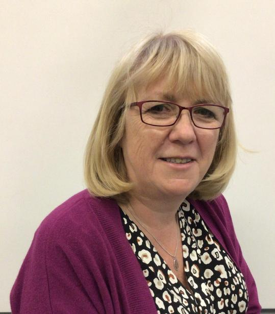 Mrs Rawlinson: EE Teacher & Teaching Assistant