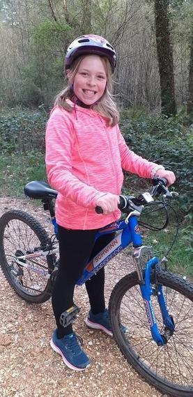 EM (Snow Leopard) enjoying a bike ride