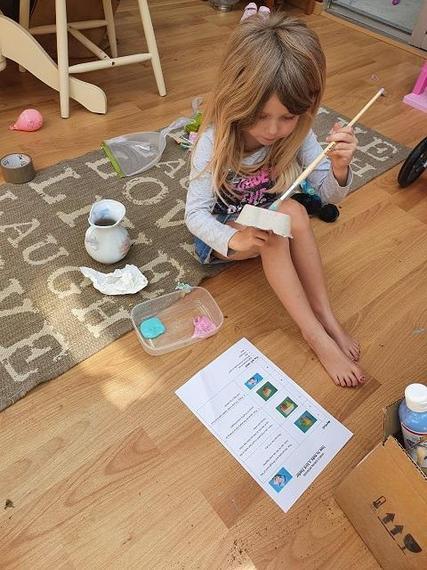 GR (Ocelot) begins to build her bird feeder