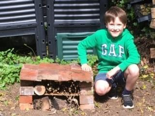 SW (Snow Leopard) with another excellent bug hotel