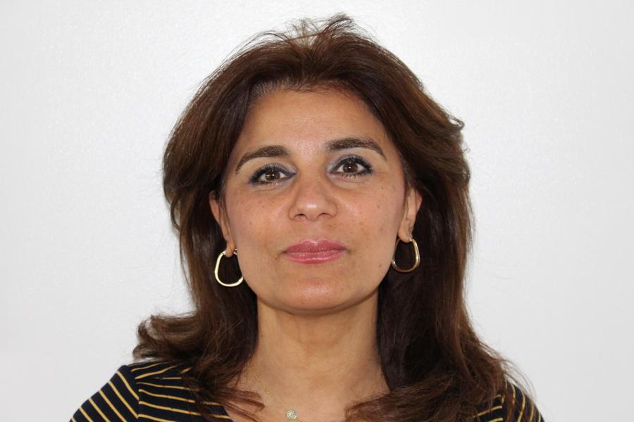 Mrs Darani, Manager