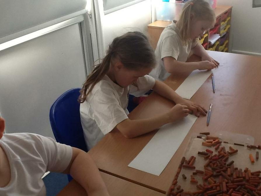 Y3/4 experimented with chalk.