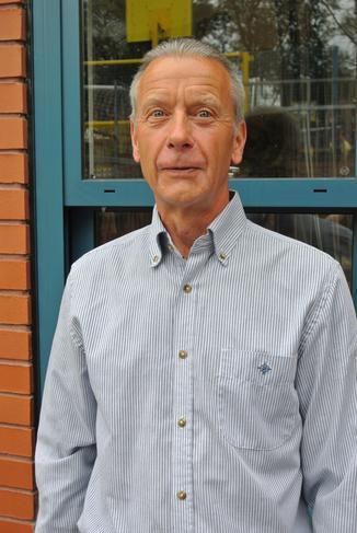 Mr Allan Foster