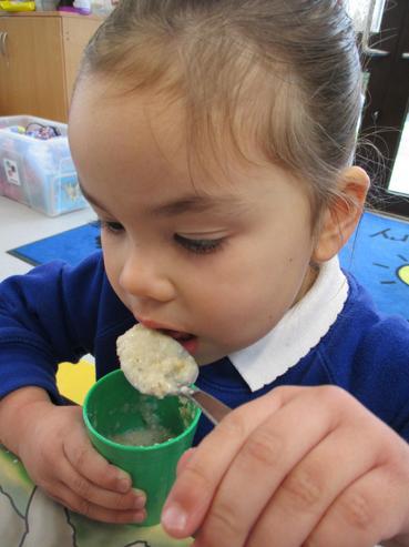 Eating the three bears porridge
