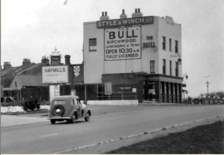 The Bull (location now Premier Inn/ Beefeater)