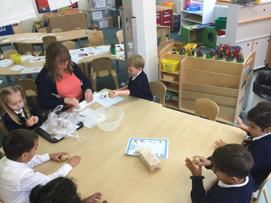 Making hedgehog dough based on the story 'The Little Red Hen'.