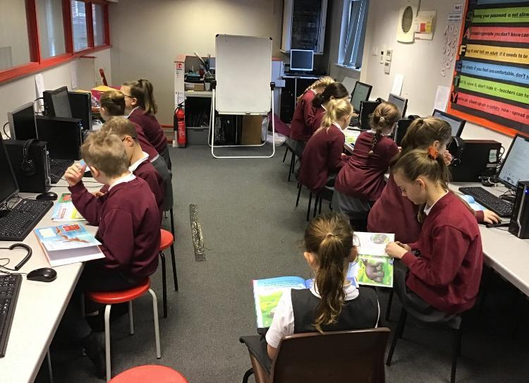 The children have been learning about pre-historic Britain in History Club today and have been asking some fantastic historical questions- what amazing historians we have! Well done everybody! Thank you very much to Alfie, who kindly brought some of his books in, to share with us. We will be learning more about dinosaurs next week, if your child is in KS2 and would like to join, please ask them to speak to Mrs Lee-Manford.