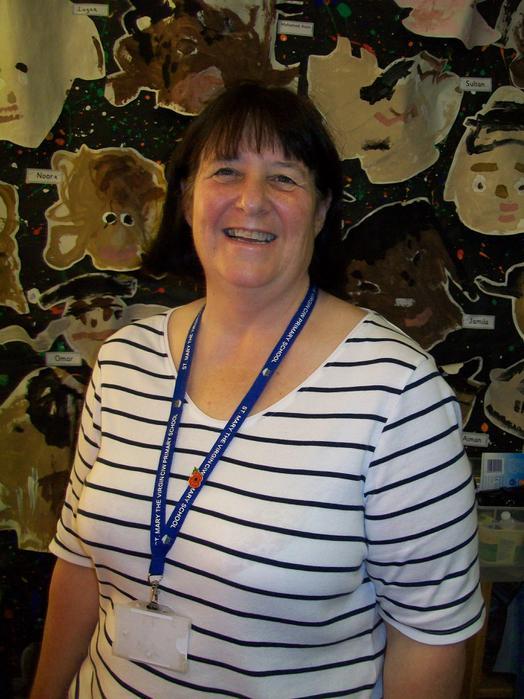 Mrs Tracy Hodge