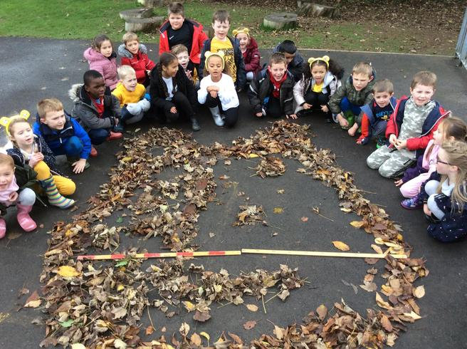 Make a Pudsey that is 2m wide using natural materials.