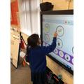 Creating rhythm patterns using ICT