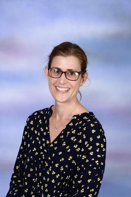 Mrs R Bunce - Class 2 - Ash teacher