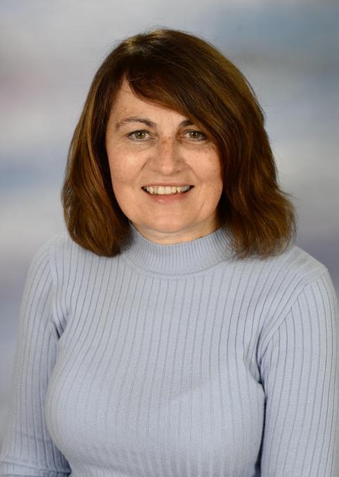 Mrs Vicki Roberts; Room Leader (Caterpillar Class)