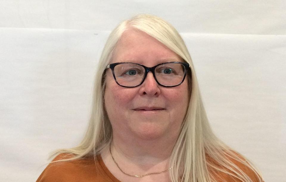 Mrs J Smith - School Support//Senior Midday