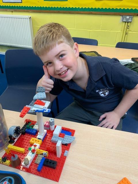 Lego maze building