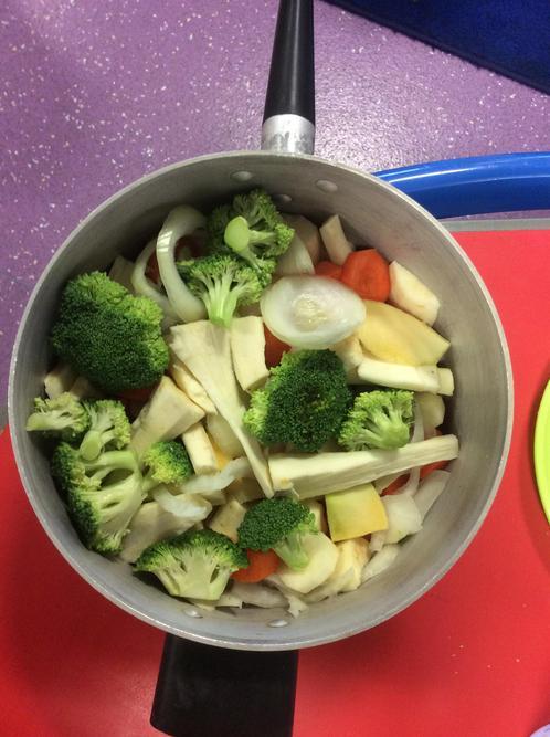 We made veg soup!