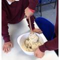 Preparing salt dough
