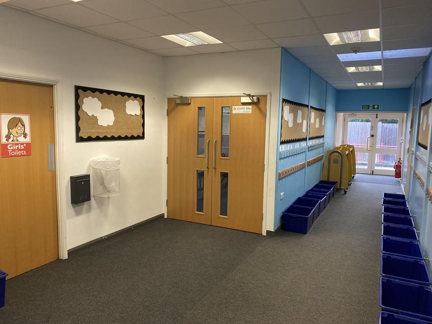 Year 3 Cloakroom & Entrance