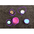 Amelia found five circles in her toy box!