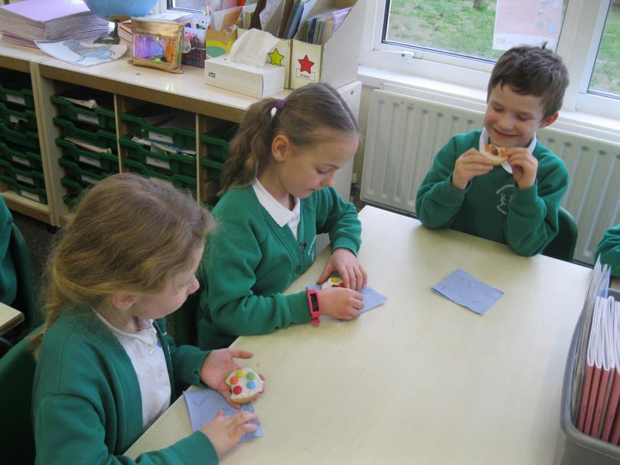We decorated biscuits with delicious sweets