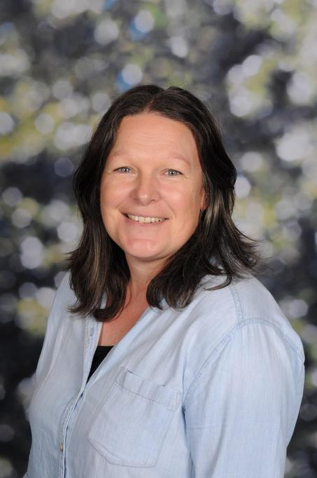 Lindsey Bewes - Lunchtime Supervisor