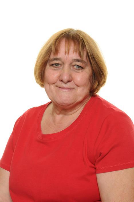 Mrs P Hammond - Lunchtime Supervisor