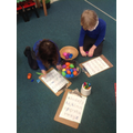 Explore and Learn time. What letter is in the egg?