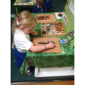 Loose parts in the finger gym.