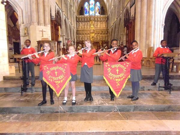 Year 6 playing at Southwark Cathedral