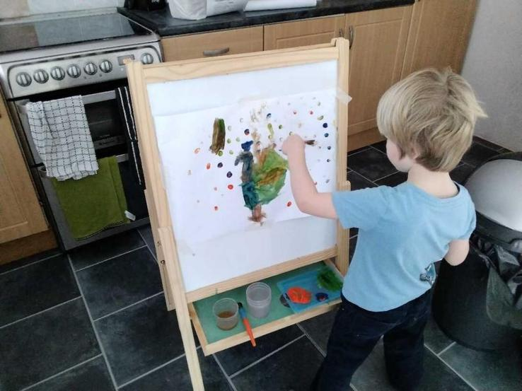 Dougie - an artist in action