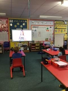 Phonics lessons in reception