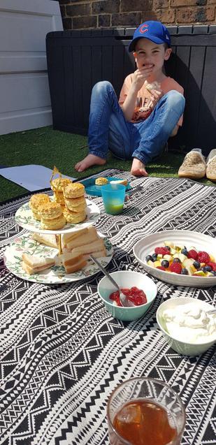 S having a VE Day picnic