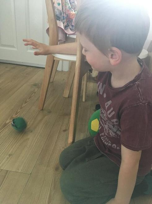 Max investigated how to stop an egg from cracking!