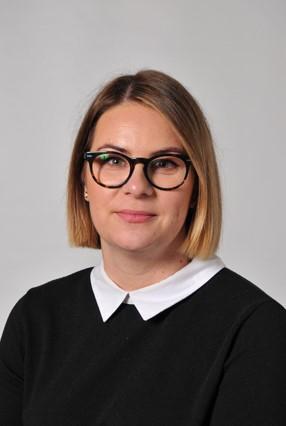 Mrs A. Kloda - EAL TA