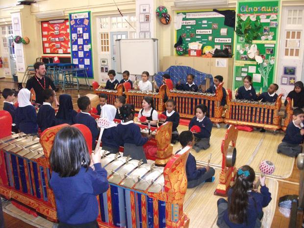Year 2 enjoy the gamelan workshop