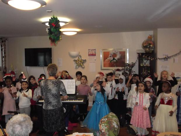 The Year 2 Red Hot Group sung brilliantly for the residents of Alcazar Court..JPG
