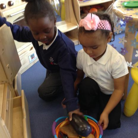 We are learning to help our friends to tidy up