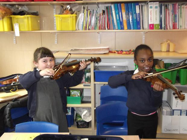Our Year 2's are enjoying their violin lessons